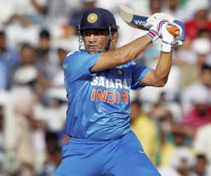 Ms-dhoni-5-interesting-stories - शतकवीर धोनी की ...