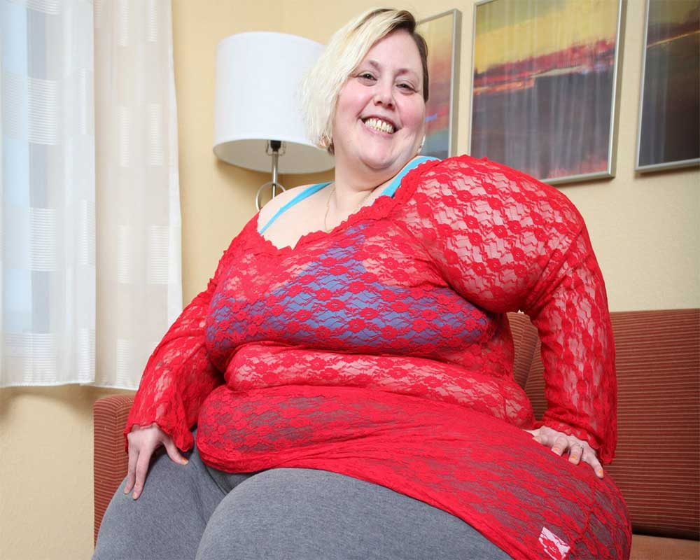 Meet the 35-stone woman with EIGHT FOOT hips whos making