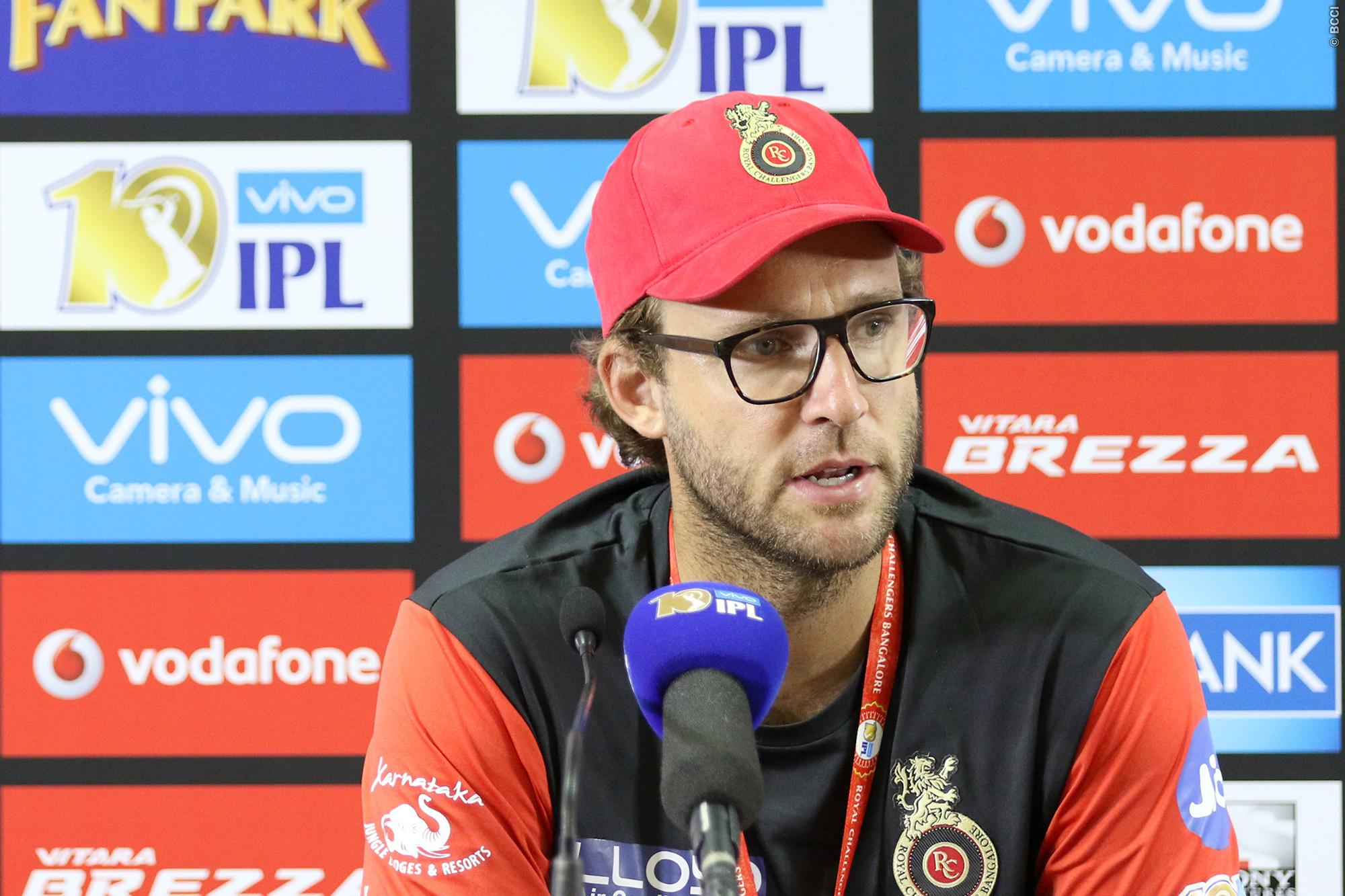 Ipl 10 Vettori Defends Dropping Gayle In Match Against Rising Pune ...