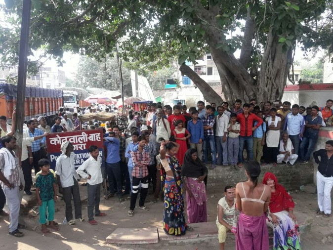 Nude Protest Of Kinnar In Agra -        -8109
