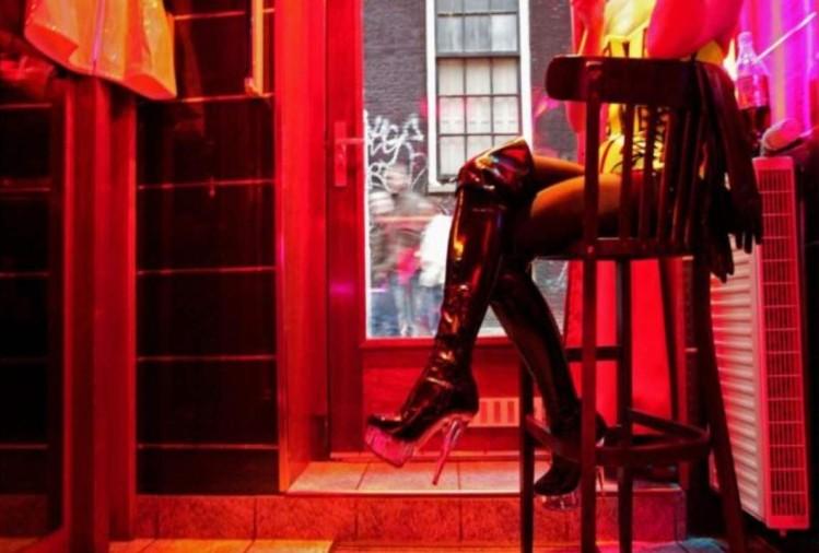 Prague Online Brothel Big Sister Prostitutes Offered Free