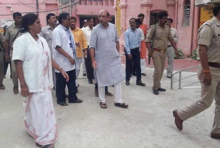 यूपी के स्वास्थ्य मंत्री जय प्रताप सिंह की तीसरी रिपोर्ट भी कोरोना निगेटिव आई है। वह कनिका कपूर के साथ पार्टी में शामिल हुए थे।