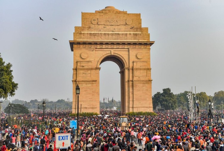New year 2020 celebration, photographs, india gate, gateway of india, clock tower, temple