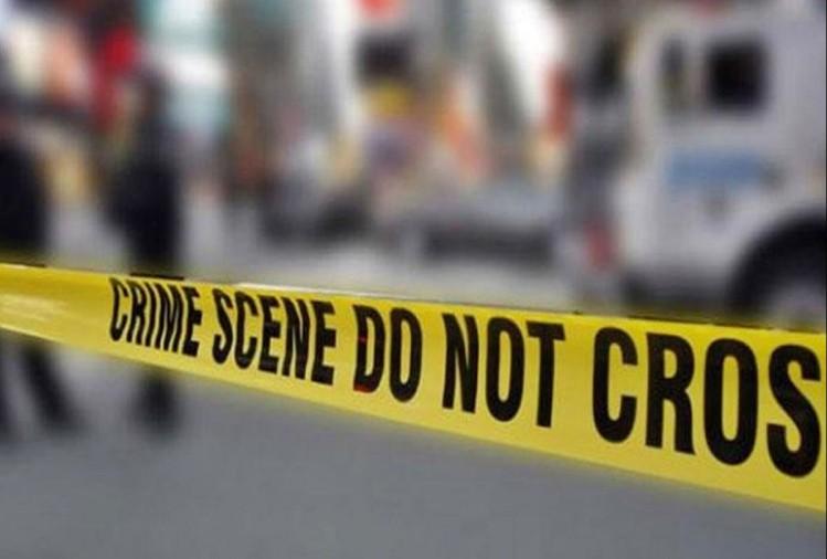 सिविल लाइंस में दो मनबढ़ युवकों ने ट्रैफिक ड्यूटी पर तैनात गार्ड सुभाष कुमार को लात-घूंसों से जमकर पीटा। आरोप है कि बेवजह पीटने के साथ ही उसे जान से मारने की धमकी भी दी गई। पुलिस ने दोनों पर मुकदमा दर्ज कर उन्हें गिरफ्तार कर लिया है।