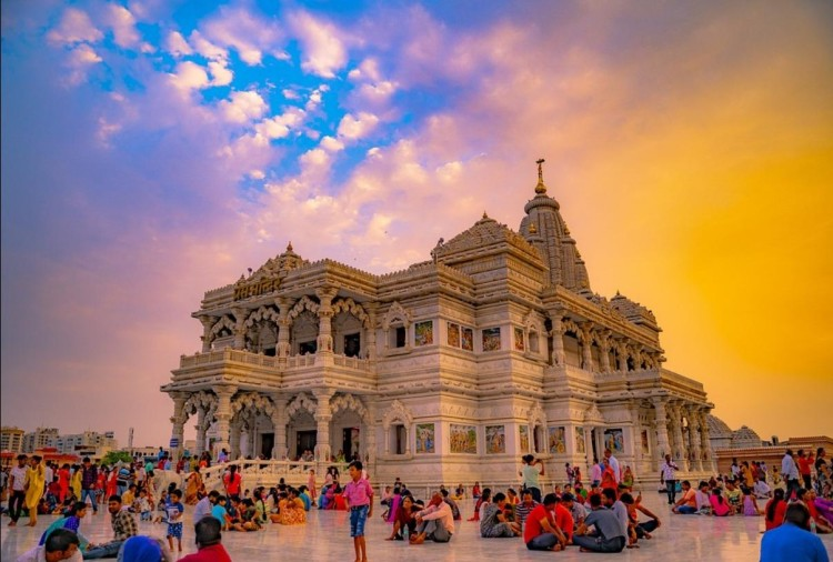 Mathura and Vrindavan Day Tour from Delhi weekend gateways near Delhi ncr