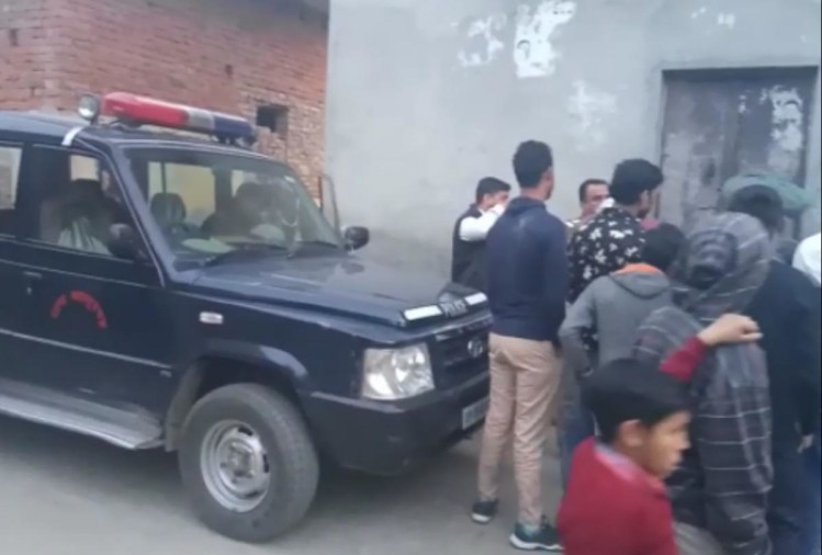 UP garhmukteshwar 6 year old boy found dead in box, father was unaware of it