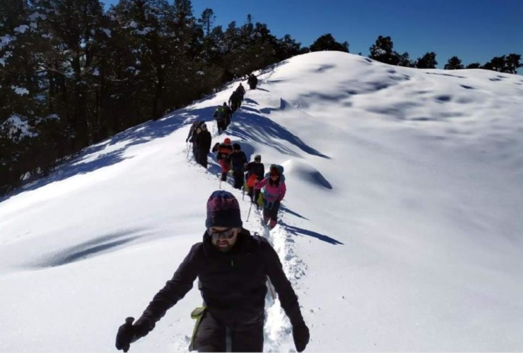 Tourist Like Snow Covered Brahmatal Trek For Trekking, See Awesome Visuals