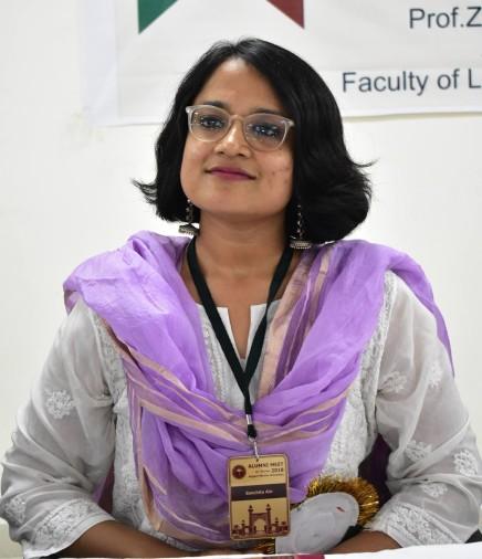 अलीगढ़ मुस्लिम विश्वविद्यालय (एएमयू) की पूर्व छात्रा संचिता ऐन ने सुप्रीम कोर्ट द्वारा आयोजित किए जानी वाले एडवोकेट ऑन रिकार्ड परीक्षा को पहले ही प्रयास में पास किया है।