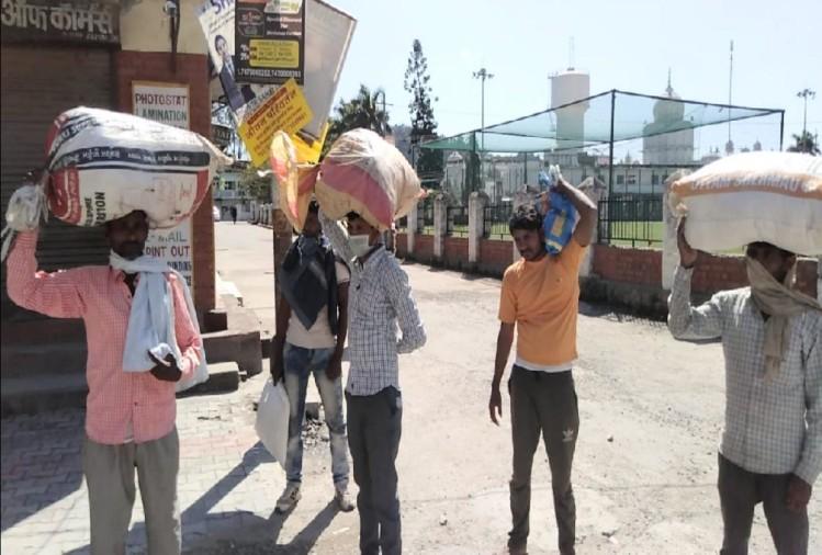 हिमाचल : लॉकडाउन और कर्फ्यू के चलते फंसे चार लाख प्रवासी कामगार