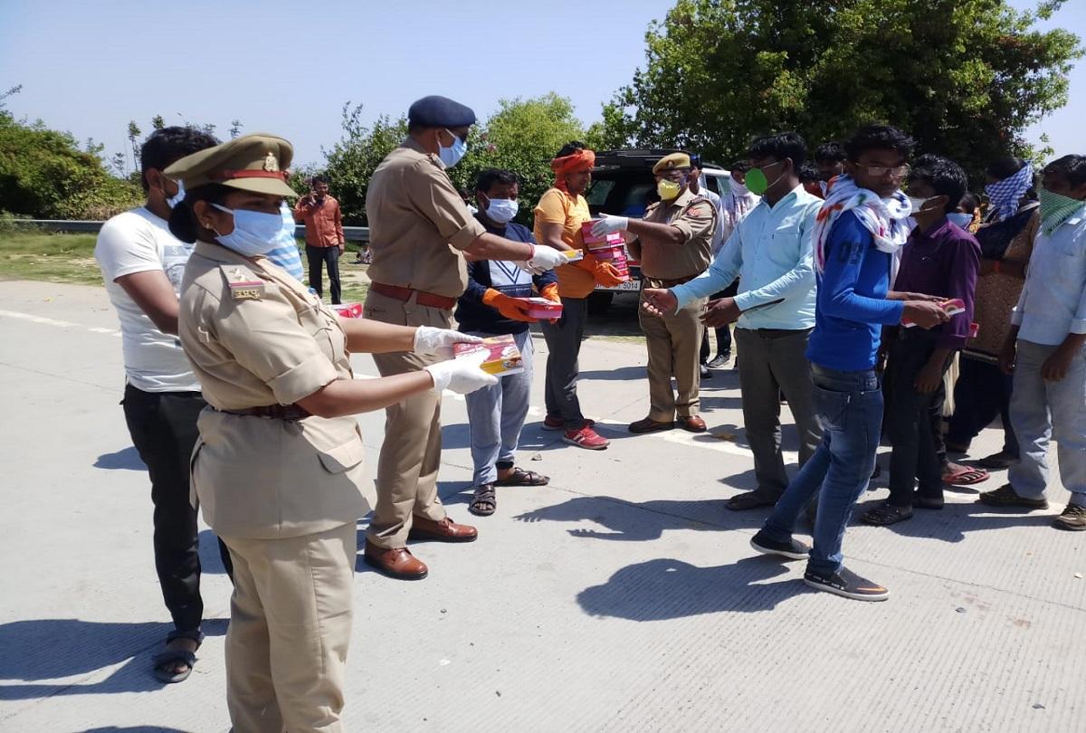 हेमंत की पुलिस जरूरतमंदों तक घूम-घूम पहुंचा रही खाना