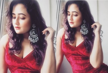 bigg boss contestant rashmi desai share her photos in red hot velvet dress and perfect makeup