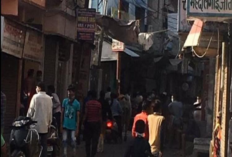 कोरोना वायरस के बढ़ते संक्रमण को देखते हुए उत्तर प्रदेश सरकार ने 15 जिलों के कोरोना वायरस हॉटस्पॉट को सील करने के आदेश दिए हैं। आदेश के अनुसार बरेली जिले के सुभाष नगर इलाके को भी सील किया जाएगा।