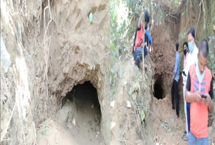 जंगल में खोदी 20 मीटर लंबी सुरंग, इलाके में सनसनी