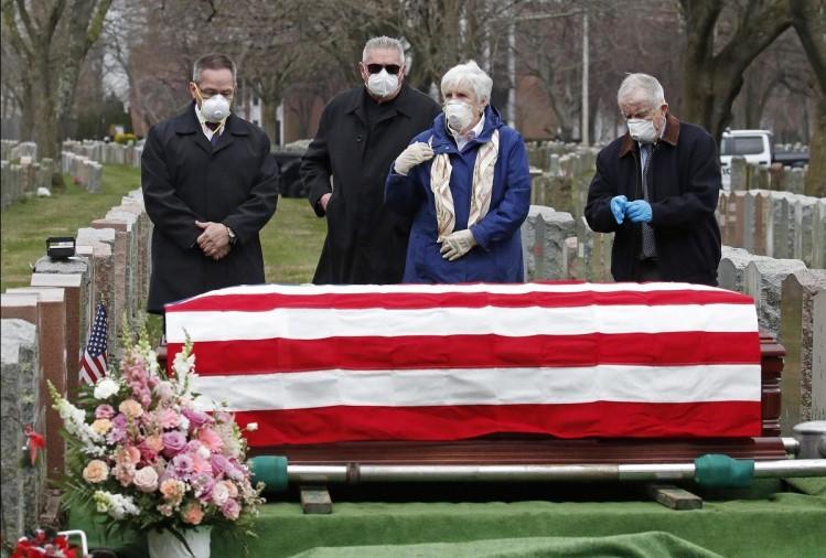 Coronavirus Case News In Hindi : America Overtakes Italy In Death ...