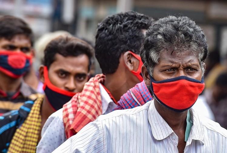 फरीदपुर में क्वारंटीन युवक घर के बाहर घूमता मिला, फोटो वायरल