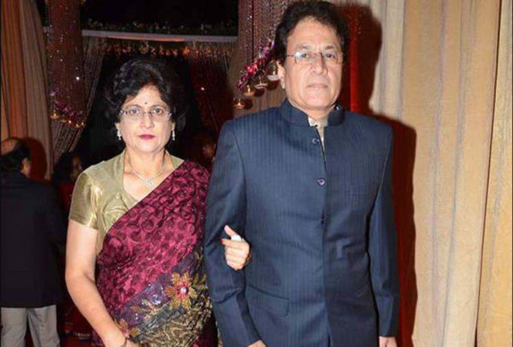 पत्नी श्रीलेखा के साथ अरुण गोविल
