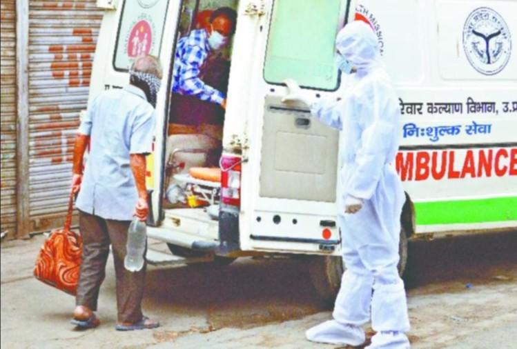 गोरखपुर जिला अस्पताल में मंगलवार को इमरजेंसी परिसर में दिल्ली के सफदरजंग अस्पताल से आया एक परिवार लावारिश हालत में मिला। इसे लेकर अस्पताल परिसर में हड़कंप मच गया। स्वास्थ्य कर्मियों ने इसकी सूचना तत्काल जिला प्रशासन को दी।