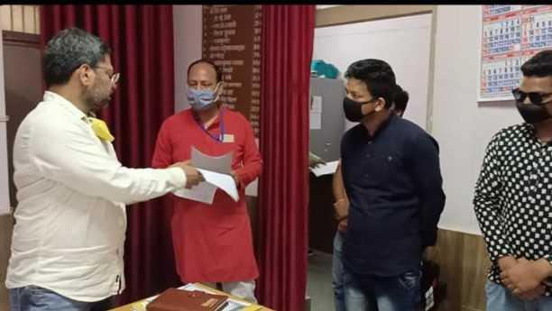रामनगर के होटल-रिजॉर्ट्स प्रधानमंत्री मोदी की अपील और श्रम मंत्रालय के दिशानिर्देशों को ताक पर रखकर कर्मचारियों को नौकरी से बाहर करने पर तुले हुए हैं।